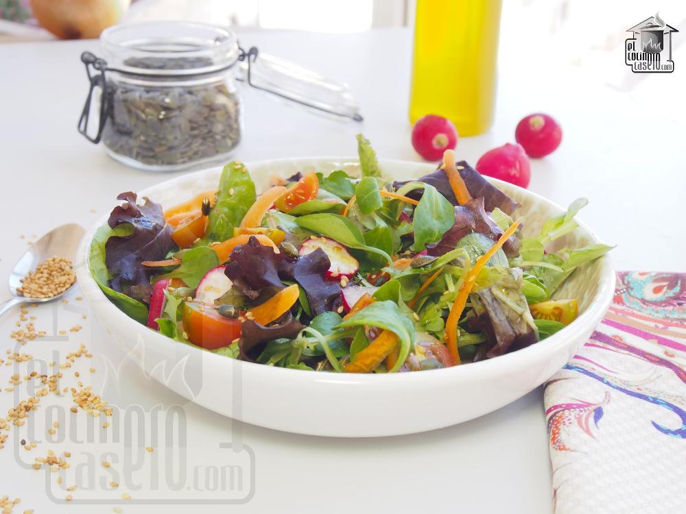 Ensalada de tomate y rabanitos