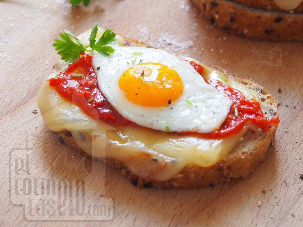 Tostas de sobrasada y huevo de codorniz - Paso 3