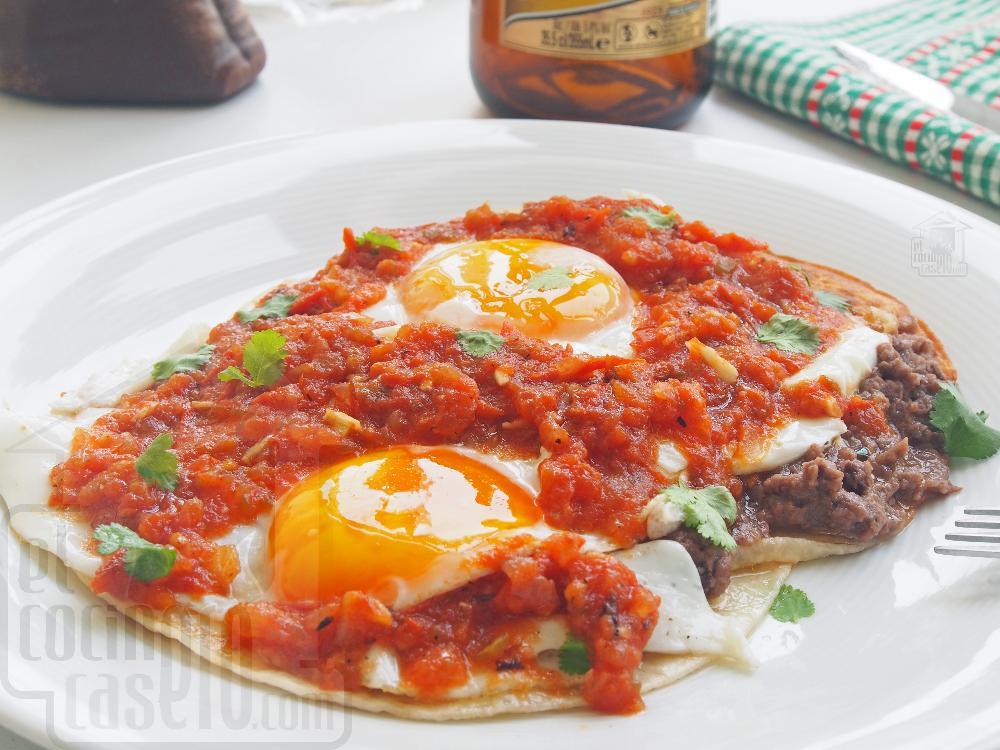 Huevos rancheros mexicanos - Paso 6