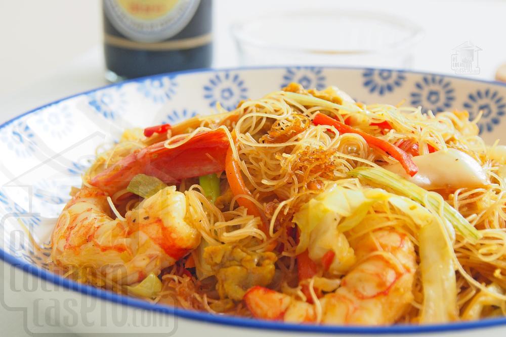 Noodles de arroz fritos con curry y gambas - Paso 9