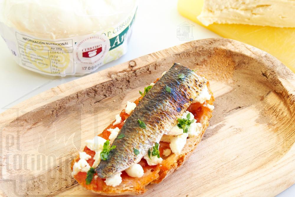 Tosta de sardina a la llama, mermelada de tomate y Queixo do Cebreiro - Paso 7
