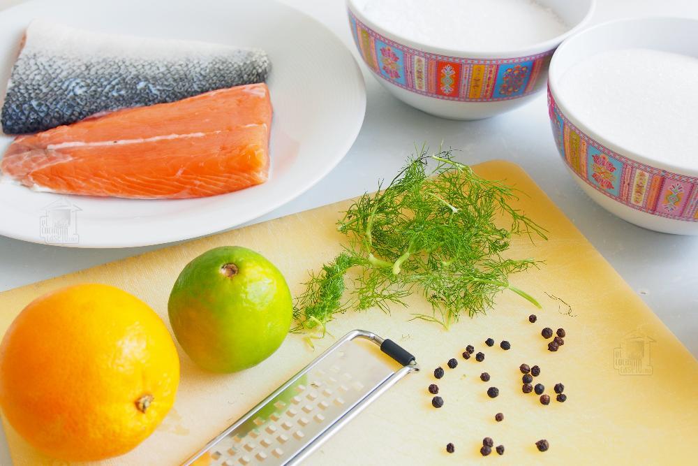 Salmón marinado con sal y azúcar - Paso 1