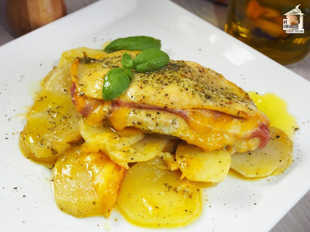 Pechugas de pollo al horno rellenas de jamón y queso